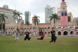 Dataran Merdeka Malaysia, yang berdekatan dengan Bangunan Tun Abdul Razak yang juga dijadikan Musium Tekstil Negara Malaysia